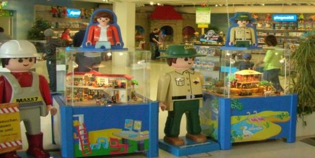 Kann man guten Gewissens Barbie-Puppen, Power-Ranger Actionfiguren, Nicotoy-Plüschtiere oder Lego für seine Kids kaufen?