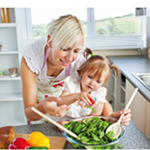 "Flyer ""Ernährungsbildung in der Familie"" - Bild: DGE e. V."