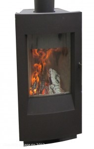 Foto: © LANUV/C. Brinkmann; Bildtitel: Verbreiten wohlige Wärme: Kaminöfen. Sie sind in fast jedem Baumarkt erhältlich und werden den letzten 10 Jahren mit zunehmender Zahl in Privatwohnungen eingesetzt.