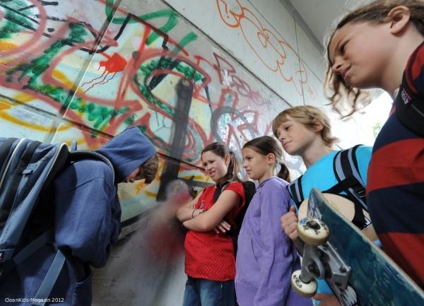 Dicke Kinder sind besonders oft Opfer von Mobbing und Ausgrenzung - TK-Pressefoto