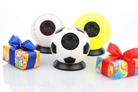 Erhältlich als Baseball, Fußball und Tennisball kann der Wurfwecker einfach gegen die Wand oder auf den Boden geworfen werden und der nervige Weckton erlischt
