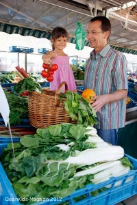 Obst und Gemüse frisch auf den Tisch - Bild: AOK-Medienservice