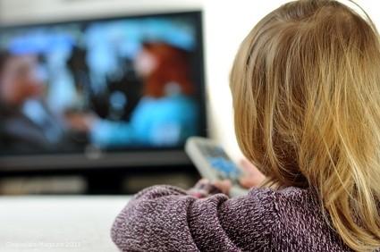 Wichtig ist, dass Eltern genau darauf achten, welche Angebote ihre Kinder nutzen und Jugendschutz-einstellungen aktivieren
