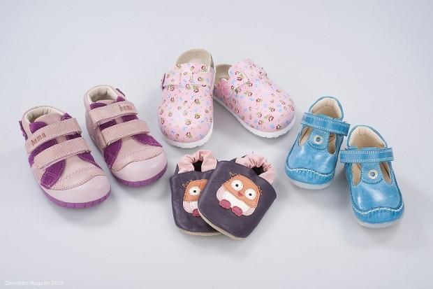 Diese vier Kinderschuhe hätten nicht verkauft werden dürfen. Ihr Leder überschreitet den Grenzwert für das allergieauslösende Chrom VI