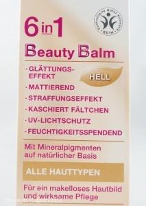Vermeintliche Alleskönner: Bis zu neun verschiedene Eigenschaften sollen BB-Cremes in einem Tiegel vereinen.  Foto: ÖKO-TEST