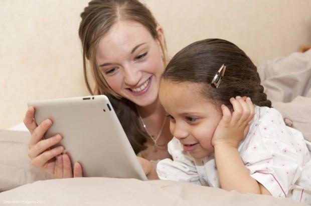 Tablet statt Bilderbuch? Was Eltern über mobile Medien wissen sollten