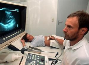 Foto: ams - Ultraschall-Untersuchung