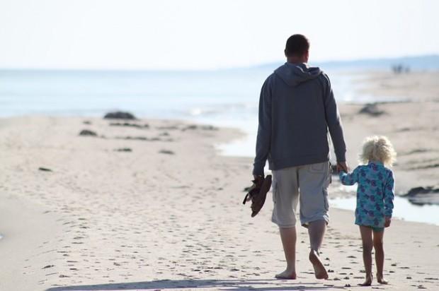 Unbeschwerter Urlaub mit Kindern: Gefahrenquellen in Ferienwohnungen entschärfen
