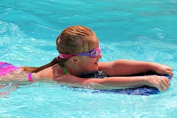 Ansaugstellen, Plaschbecken, Schwimmbäder: Sicherer Badespaß für Kinder