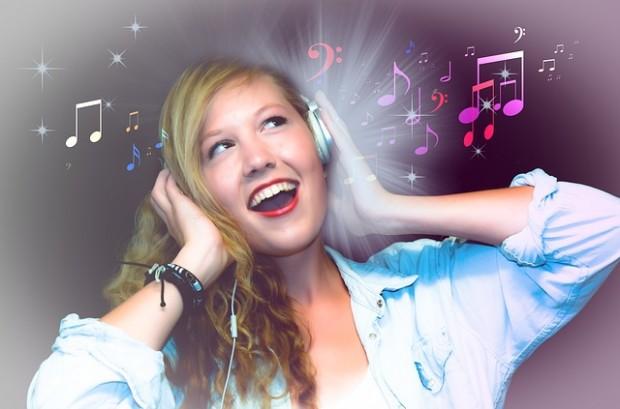 Risiko von Hörschäden - Kinder und Teenager besser vor Lärm schützen!