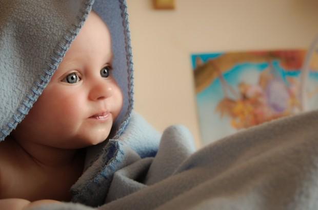Ich weiß, was du fühlst: Schon Babys können Angst in den Augen anderer unbewusst wahrnehmen.