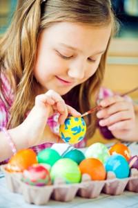 Ostereier bemalen ist bei den meisten Familien feste Tradition