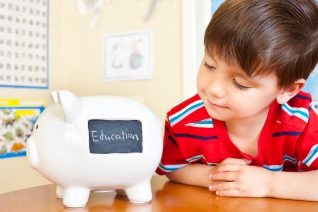 So früh wie möglich sollten Sie in die Bildung Ihrer Kinder investieren - Bild: © istock.com/michelle_d