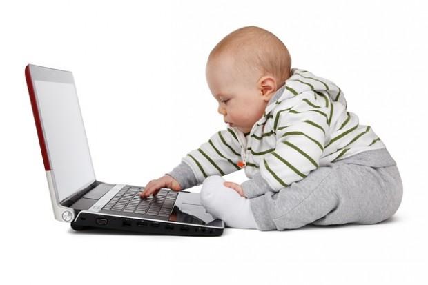 Digitale Kindheit:Schon jedes zehnte dreijährige Kind nutzt das Internet