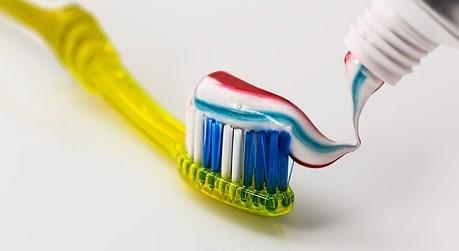 Dentagard Zahnpasta ist Mogelpackung des Monats