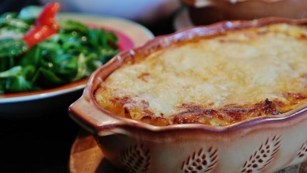 Heiße Lasagne aus dem Ofen: Leckeres Gericht für Groß und Klein