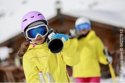 Wintersport: Hohes Unfallrisiko auf Skipiste und Rodelbahn - Bild: Fotolia.com © 56237913