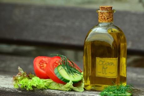 Mineralöl-Nachweis durch Stiftung Warentest: foodwatch fordert Rückruf von Olivenölen