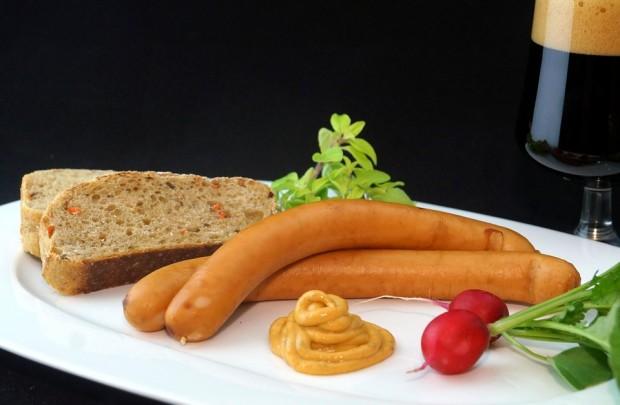 sausage-556488_960_720
