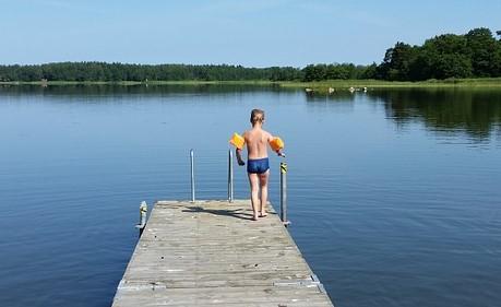 Für kleine Badenixen: von Sonnenschutz und Nichtschwimmerzonen