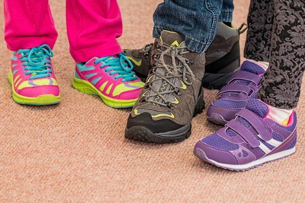 Falsch gekaufte Kinderschuhe: Auswirkungen auf die Gesundheit der Füße