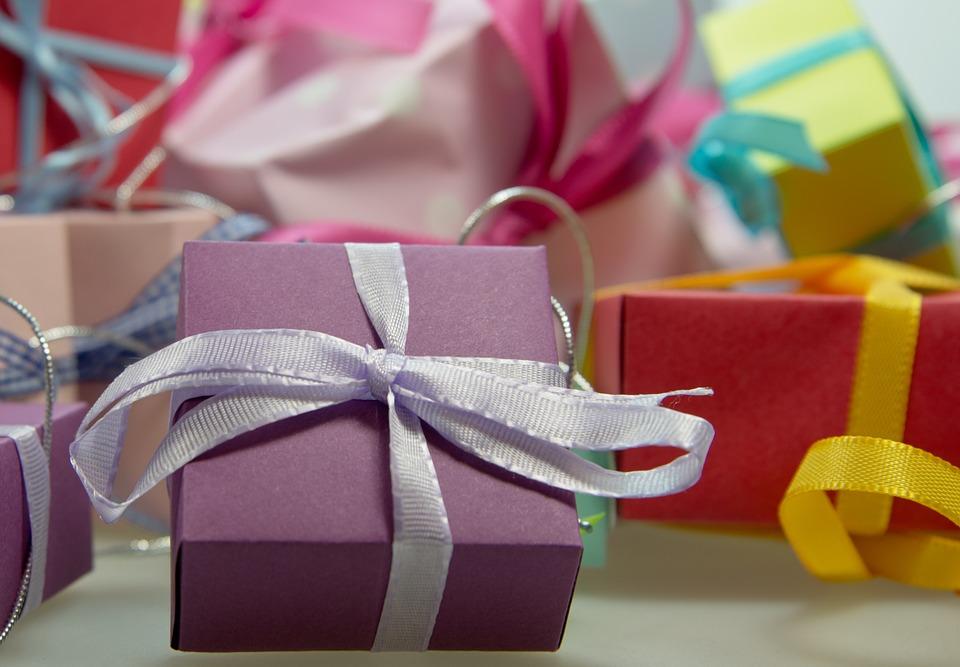 Kindgerecht und sinnvoll – Ideen und Tipps für Weihnachtsgeschenke ...
