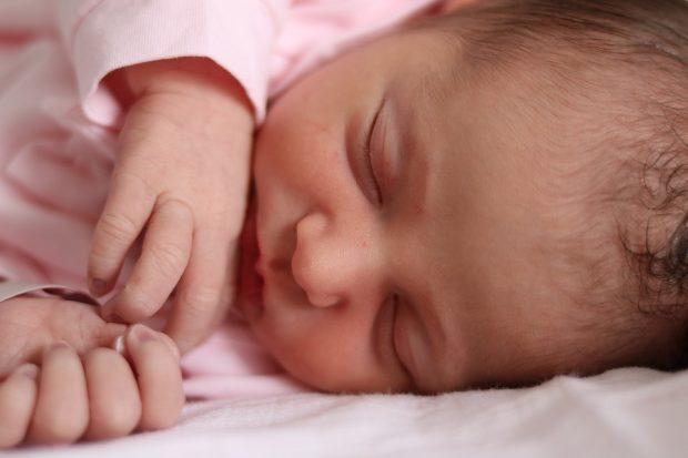 Experten entdecken Käseschmiere für die Babypflege neu