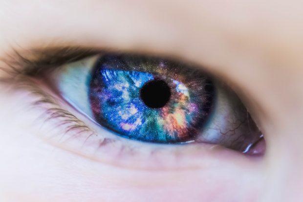 Vorsicht vor farbigen Kontaktlinsen:Augenärzte warnen vor Entzündungen und Verletzungen
