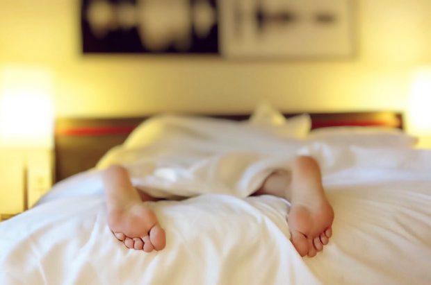 sleeping-1159279_960_720