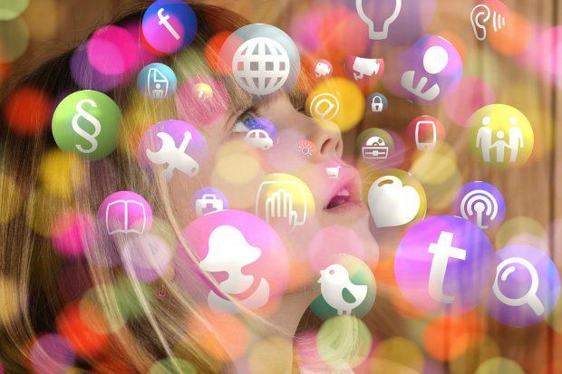 Die Welt sozialer Medien hat eine große Sogwirkung auf Kinder und Jugendliche