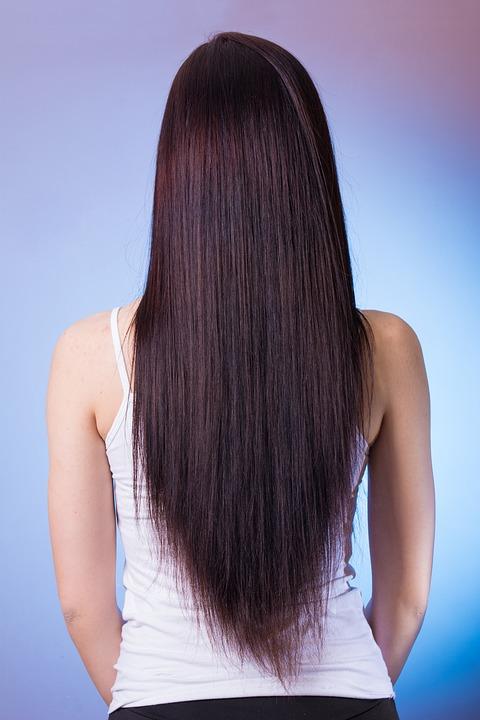 Haarstyling - Das richtige Glätteisen finden