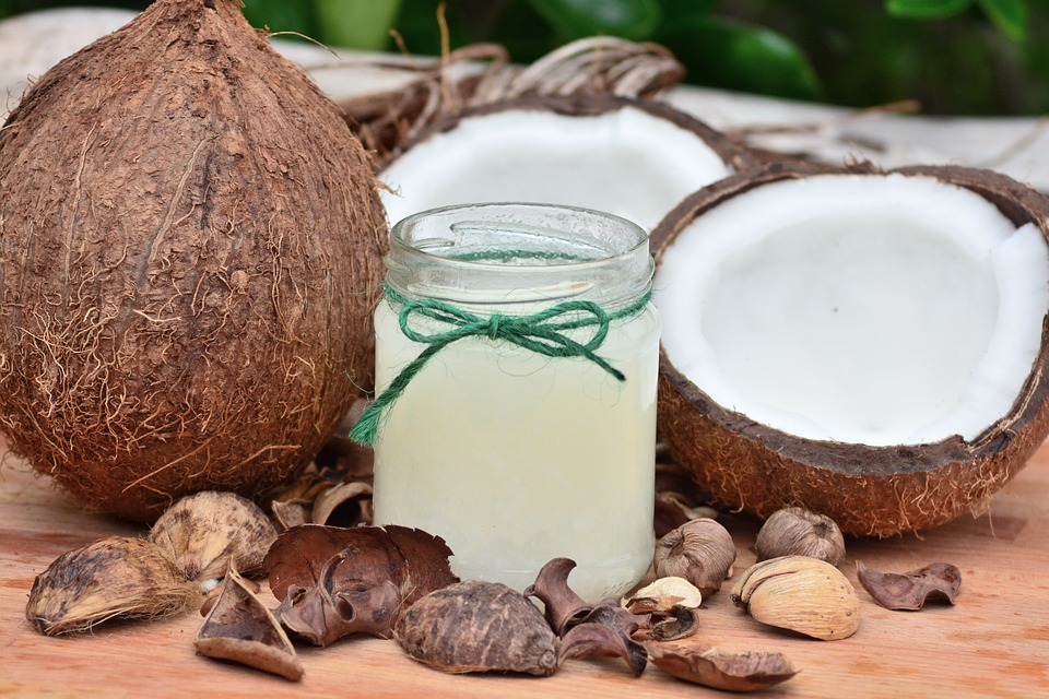 Kokosöl: Gut zum Braten – schlecht für den Cholesterinspiegel