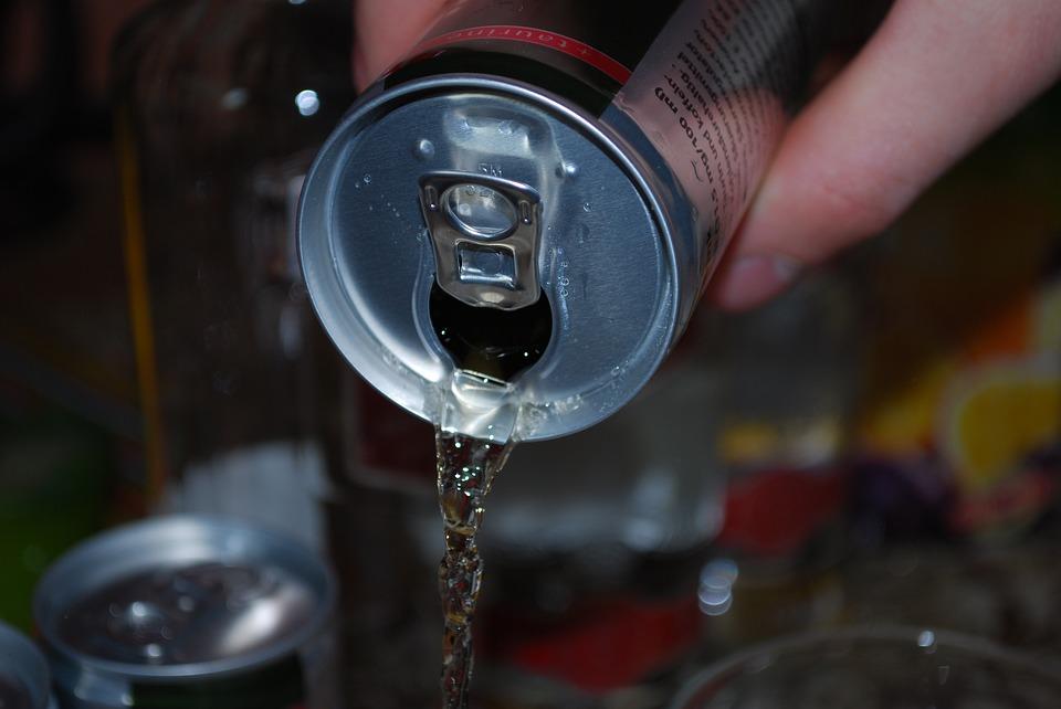 Energy-Drinks verbessern weder die Lern- noch die sportliche Leistung – im Gegenteil