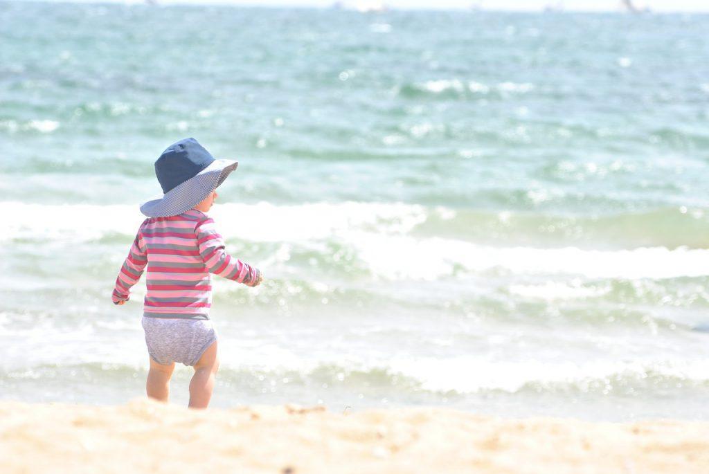 Babys und Kinder vor der Sommer-Sonne richtig schützen!