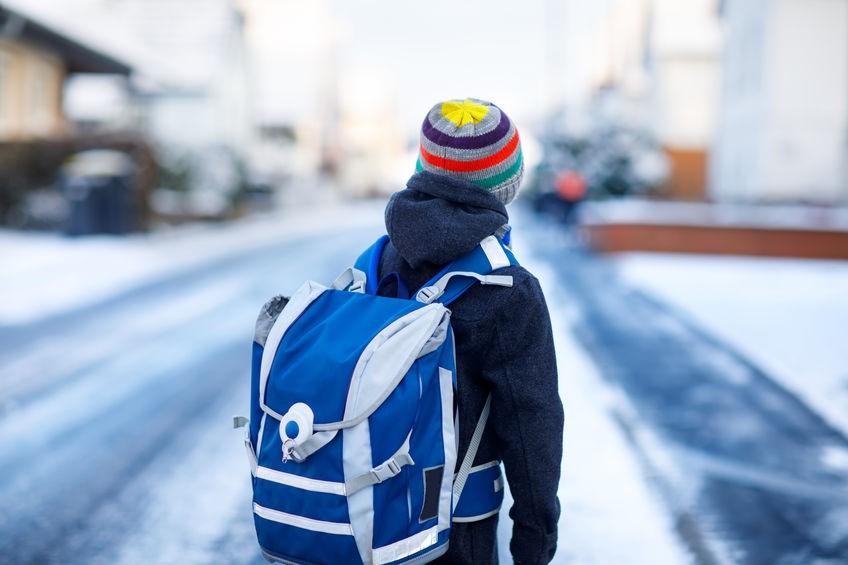 Reflektierende Kleidung und Schultaschen: Unverzichtbar auf dem Schulweg