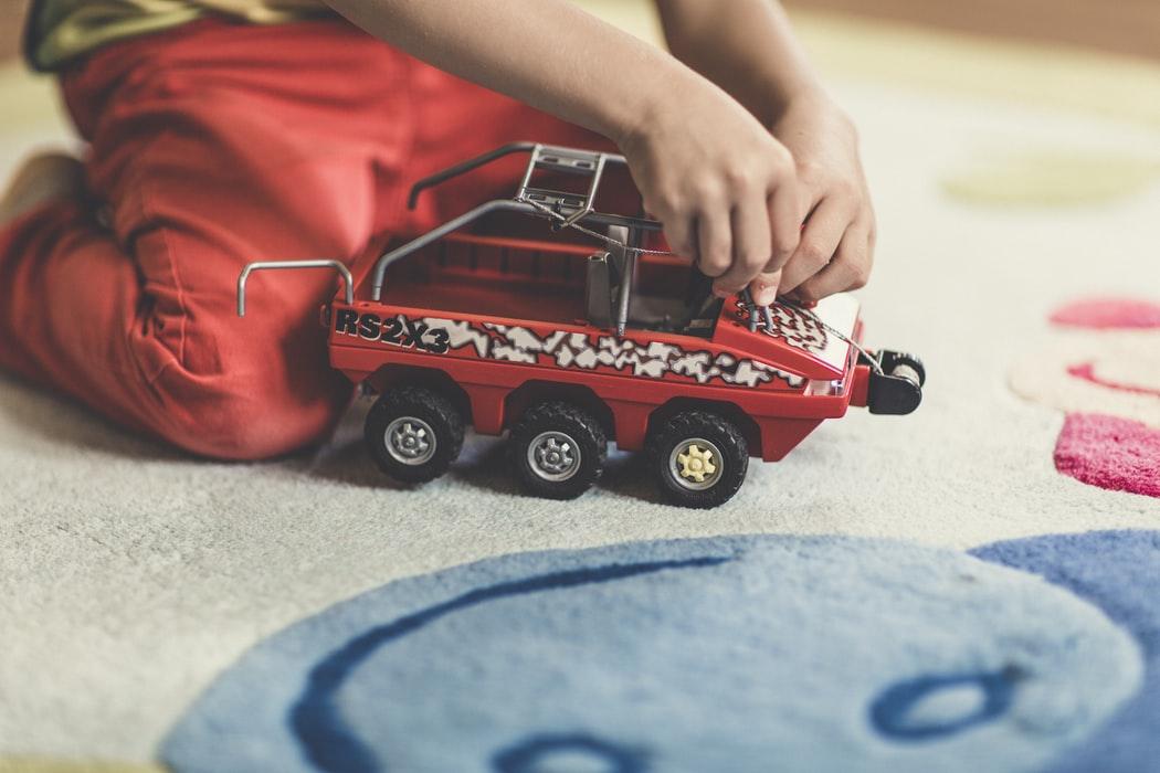 Kinderzimmer Teppiche mit Motiven sind nicht nur schön anzusehen, sondern sie fördern ebenso die Fantasie des Kindes beim Spielen.